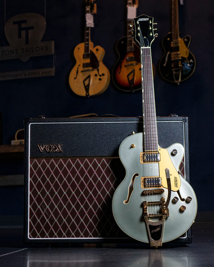 Gretsch and Vox 4-5.JPG