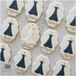 bride_bridesmaid cookies