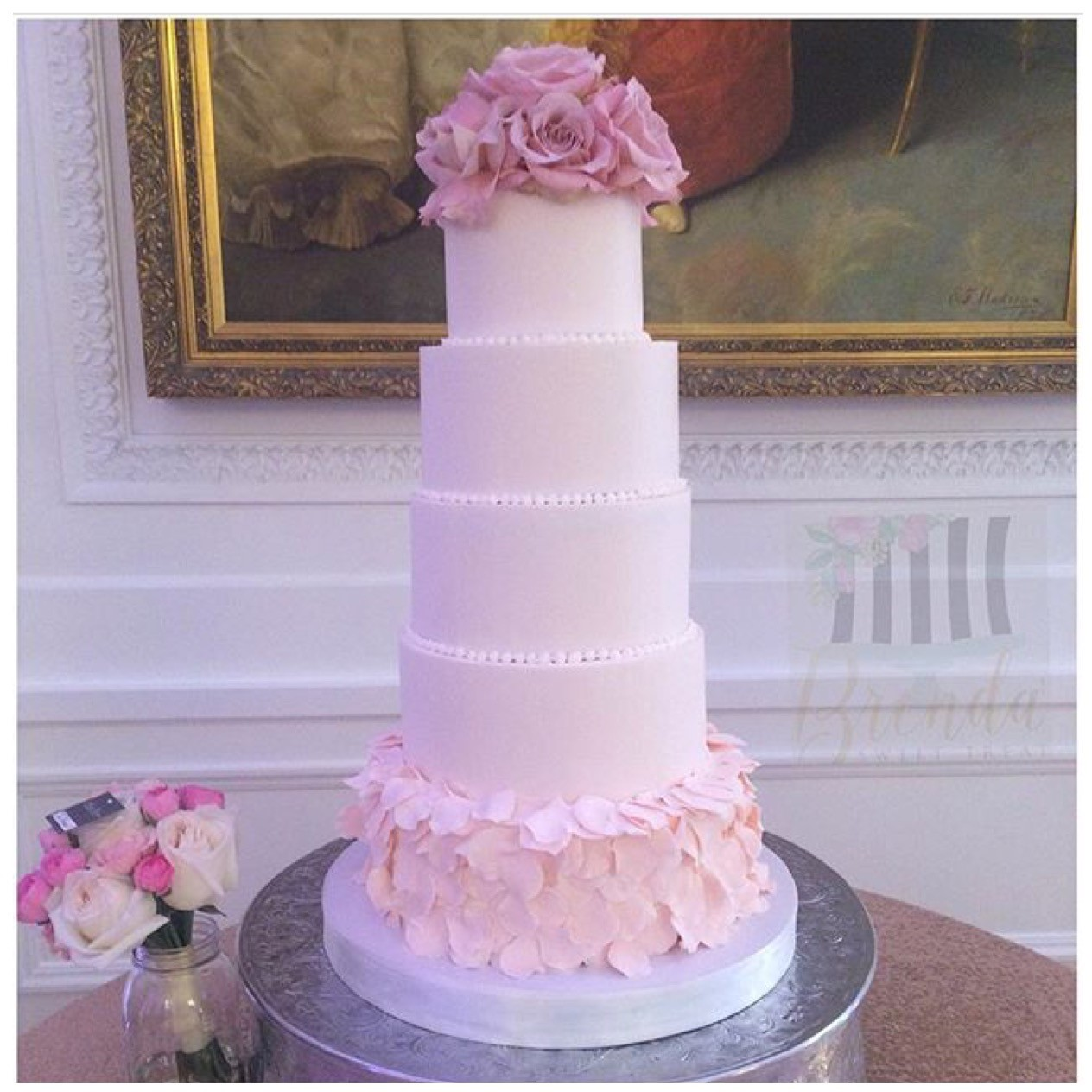 Chic wedding cake