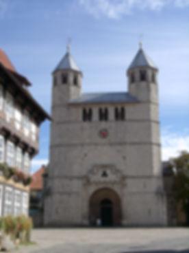 Stiftskirche + Fachwerk.jpg