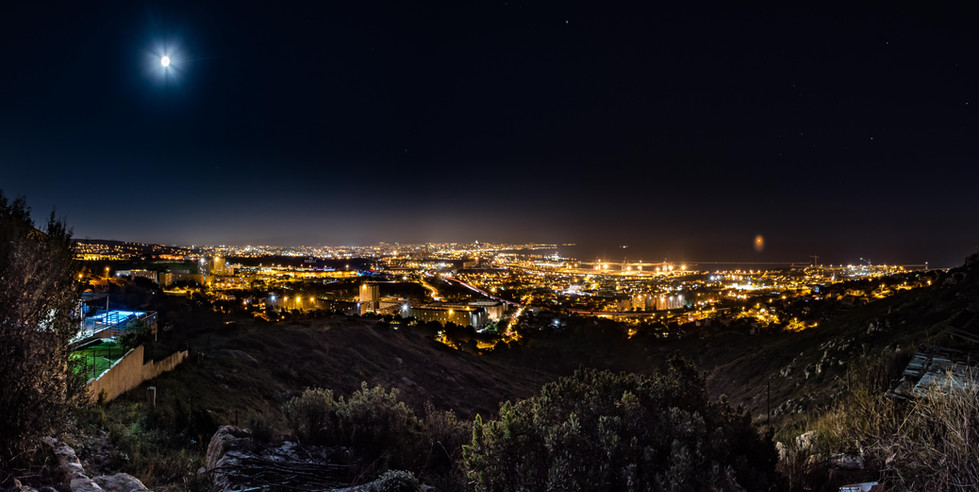 Marseille sous la lune Renaud Canadas.jpg