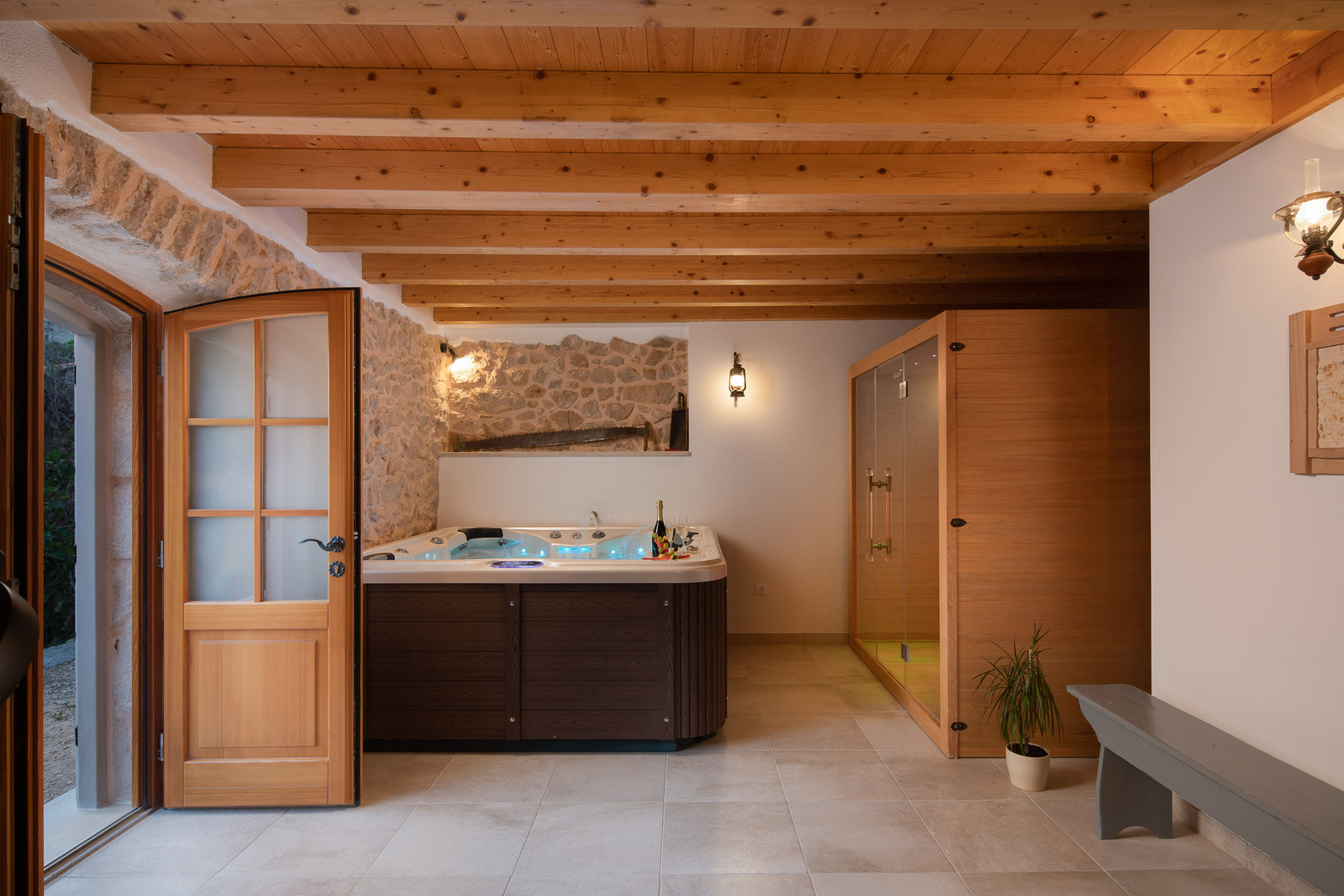 Jacuzzi and sauna