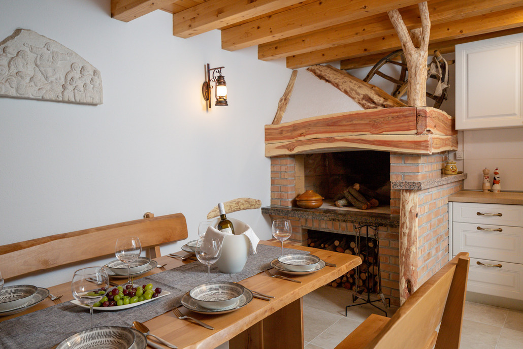 Barbecue & dining area