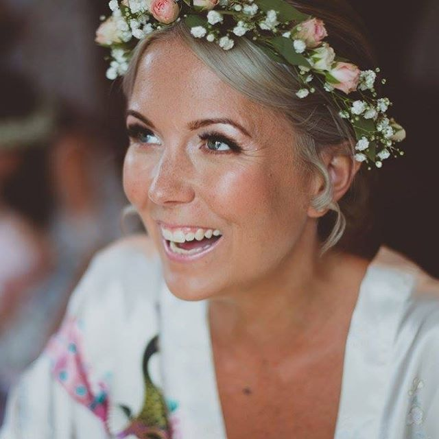 What an absolute stunner this #bride is _kirsty3x3x3x #2017wedding too many amazing pictures to choo