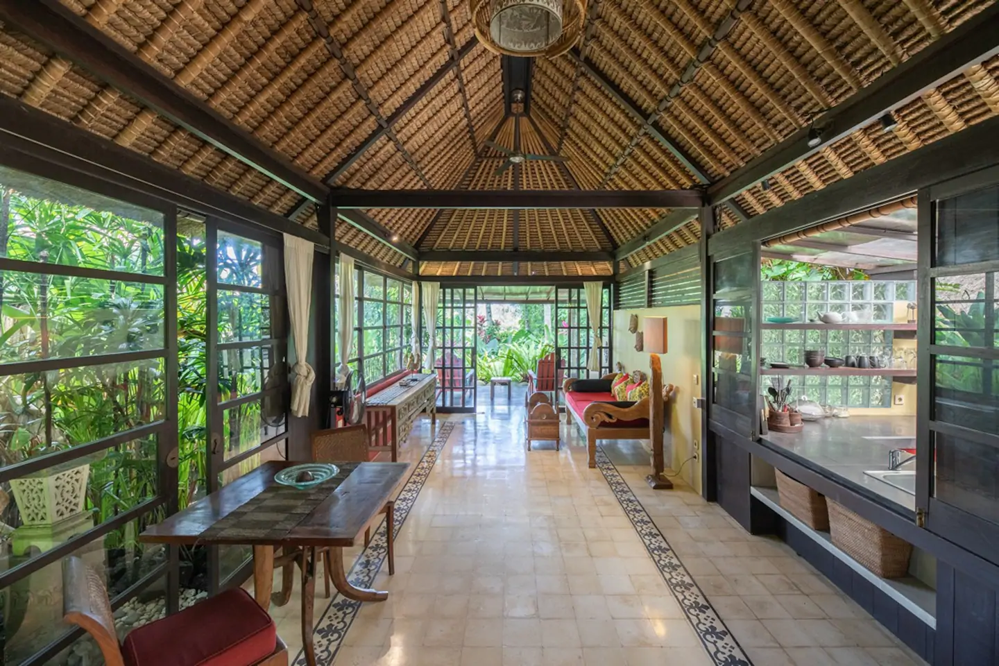 Living area to the garden and rice field