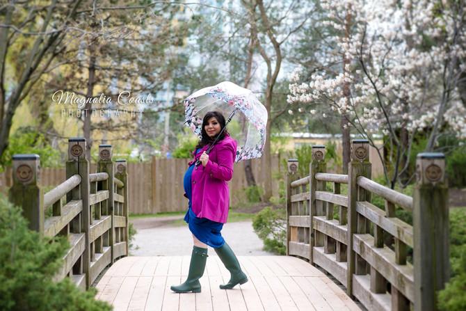 Toronto West / Mississauga East Photographer | Rainy Day Maternity in Kariya Park | Maternity