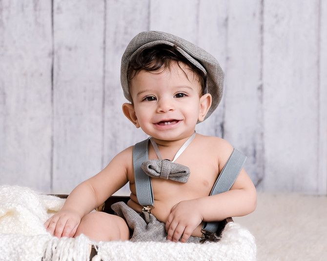 Toronto West / Mississauga East Photographer | Baby Zain at 7 months | Grow with Me