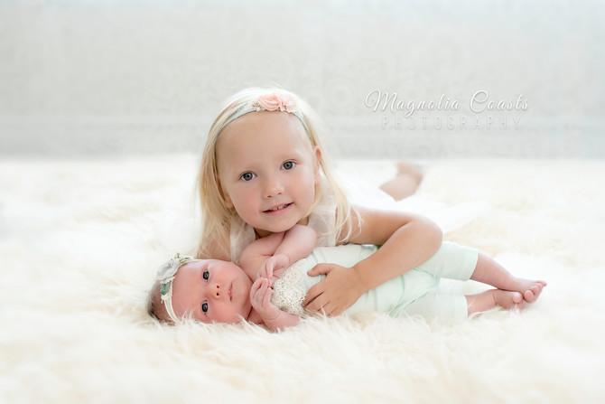 Toronto West / Mississauga East Photographer   Baby Aurora & Big Sister Varia   Mississauga Newb