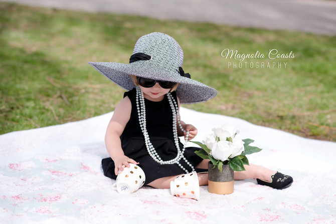 Toronto West / Mississauga East Photographer | Audrey Inspired Tea Party in the Park | Birthday