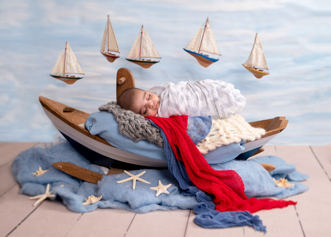 Toronto West / Mississauga East Photographer | Baby Zayyan at Sea | Newborn