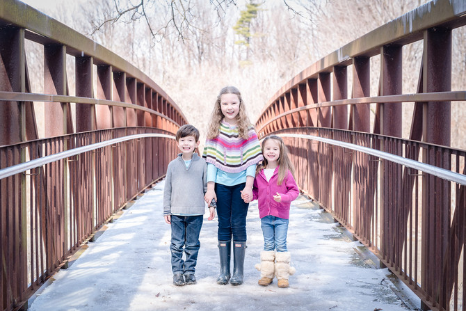 Toronto West / Mississauga East Photographer | Sisters and Cousins at the Creek | Family
