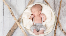 Toronto West / Mississauga East Photographer | January Snow Bunny | Baby Connor | Newborn