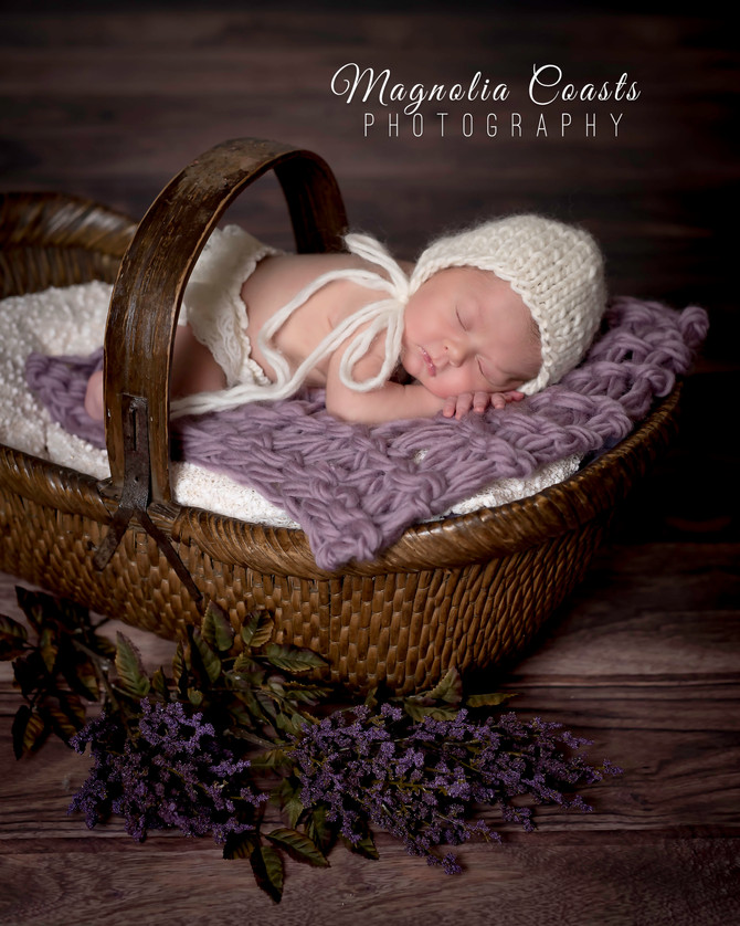 Toronto West / Mississauga East Photographer   Baby Ruby at 11 days