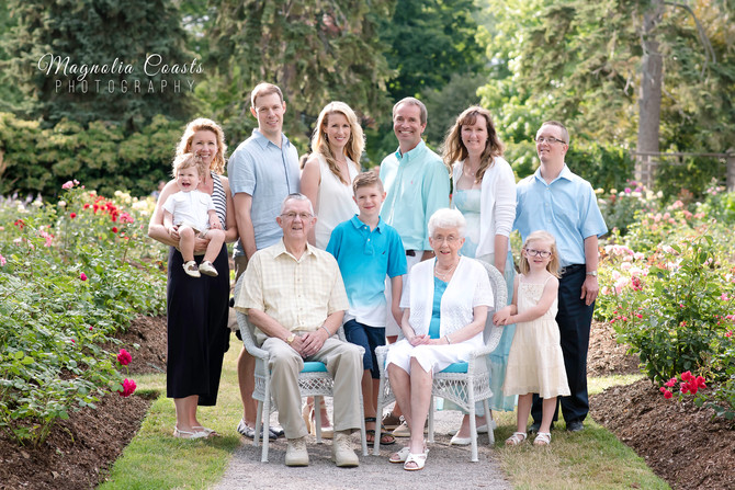 Toronto West / Mississauga East Photographer   The Hugill Family   Generations Session