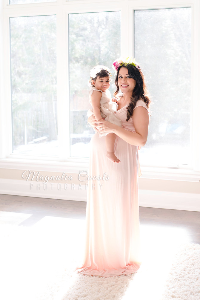 Toronto West / Mississauga East Photographer | Little Ayla Awaits a Sibling | Glowy Maternity
