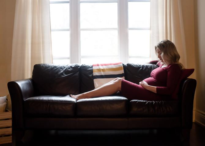 Toronto West / Mississauga East Photographer   Waiting for Sister   Toronto Newborn