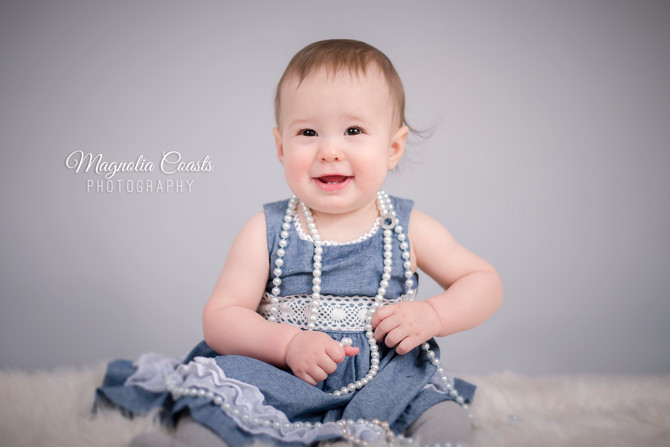 Toronto West / Mississauga East Photographer | Baby Kate Sits Up | Grow with Me