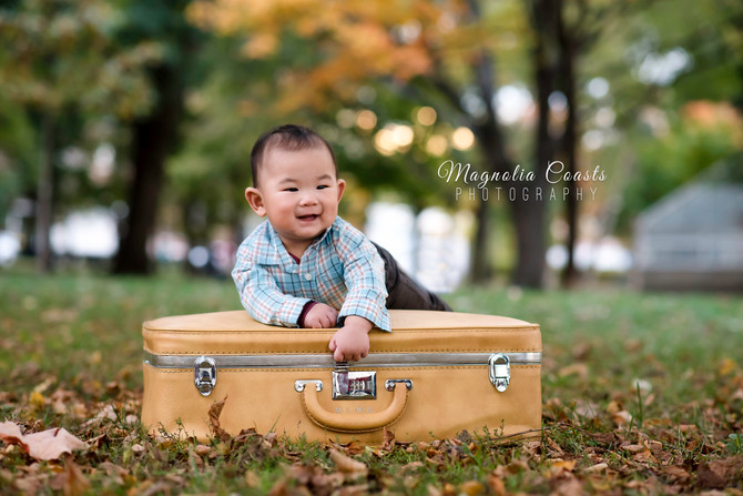 Toronto West / Mississauga East Photographer | Lyonel is 6 months!! | Grow with Me