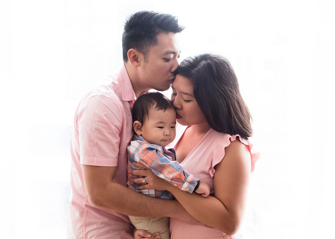 Toronto West / Mississauga East Photographer | Lyonel at 9 months | Grow with Me
