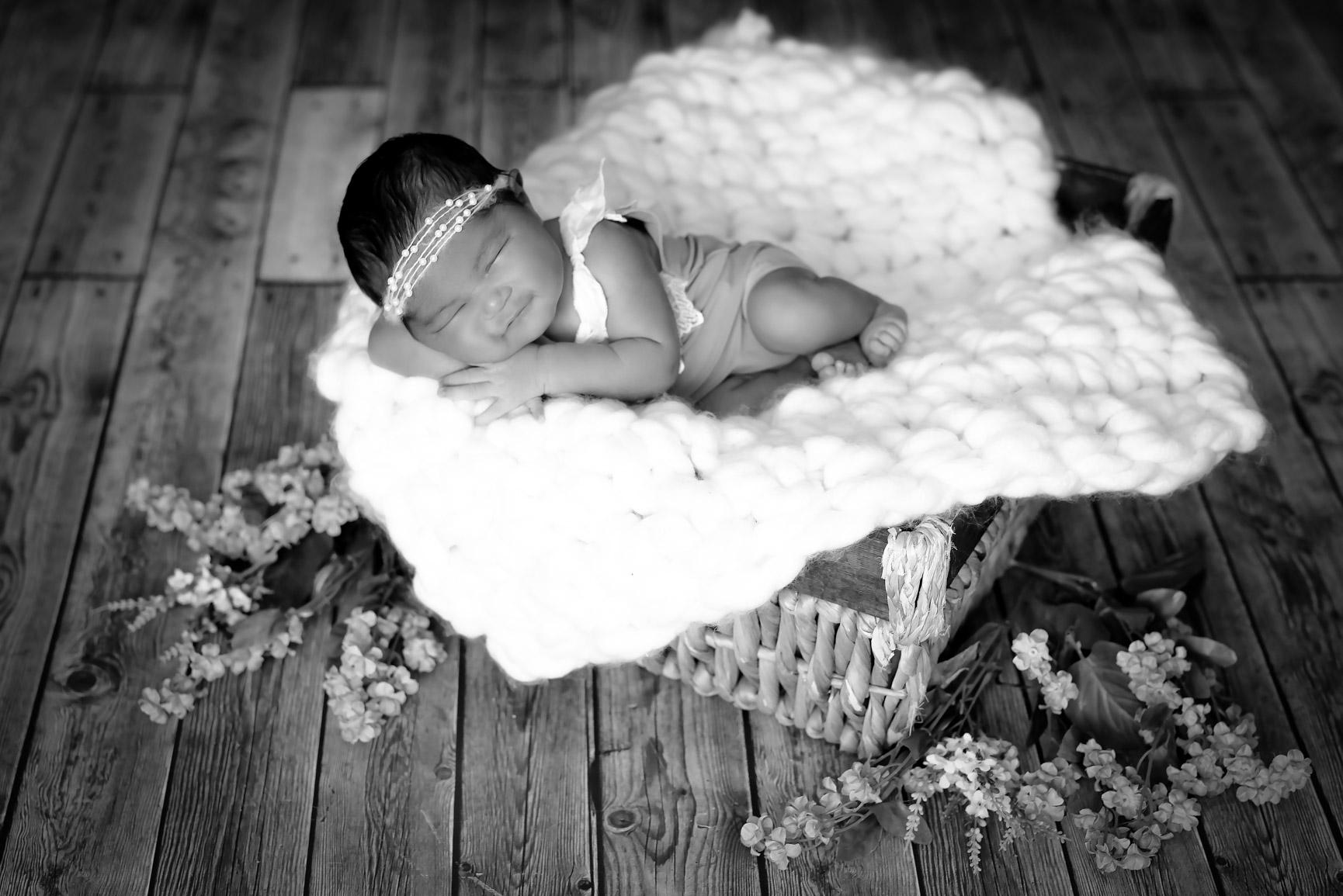 Baby MiaDSC_7414-Edit-Edit.jpg