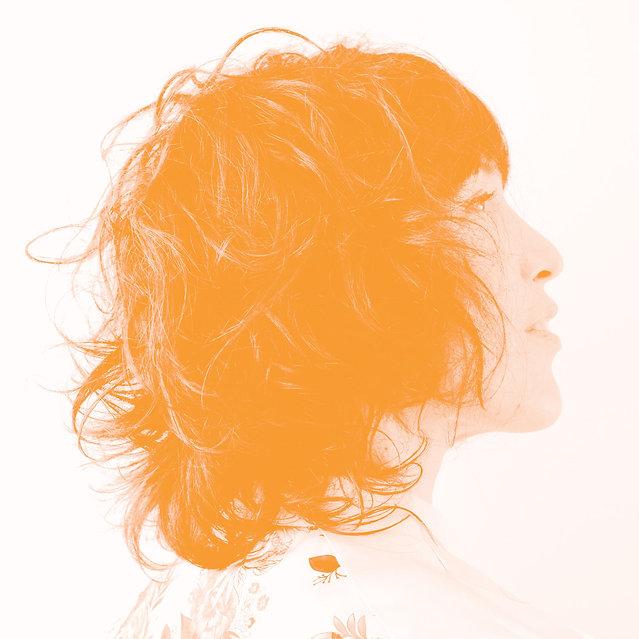 DelphineAmbGreyBi-2.jpg
