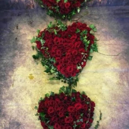 Funeral Wreaths, Hearts + Cushions 025