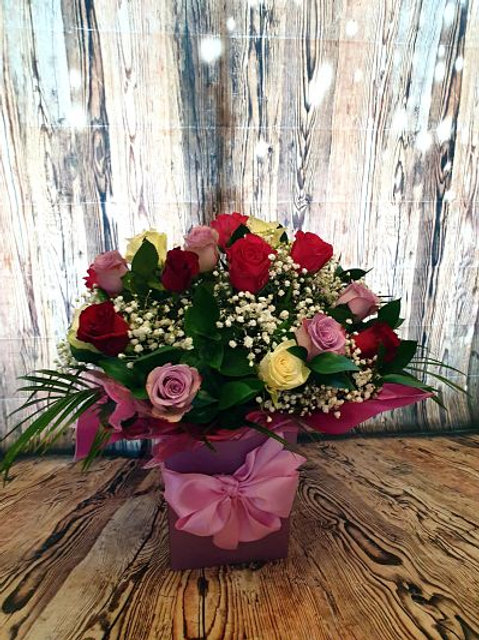 20 large premium mixed rose aqua flower bouquet Free delivery from the flower shop kirton