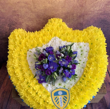 Funeral Wreaths, Hearts + Cushions 018