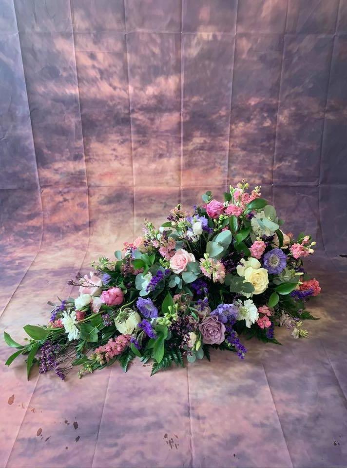 Single Ended Coffin Spray Funeral Flower Tribute Example 9.jpg