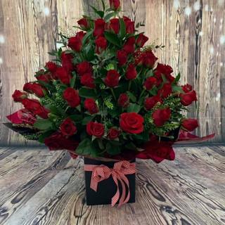 80 red roses aqua bouquet