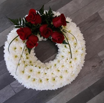 Funeral Wreaths, Hearts + Cushions 034