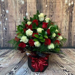 red and white rose aqua flower bouquet