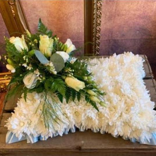 Funeral Wreaths, Hearts + Cushions 007