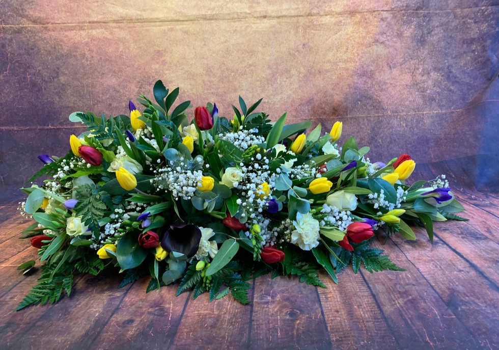 Single Ended Coffin Spray Funeral Flower Tribute Example 20.jpg