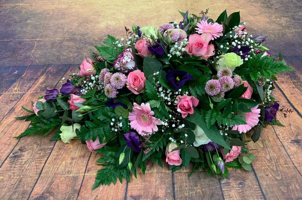 single ended Coffin Spray Funeral Flower Tribute Example 23.jpg