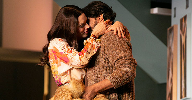 Tosca and Cavarossi embracing