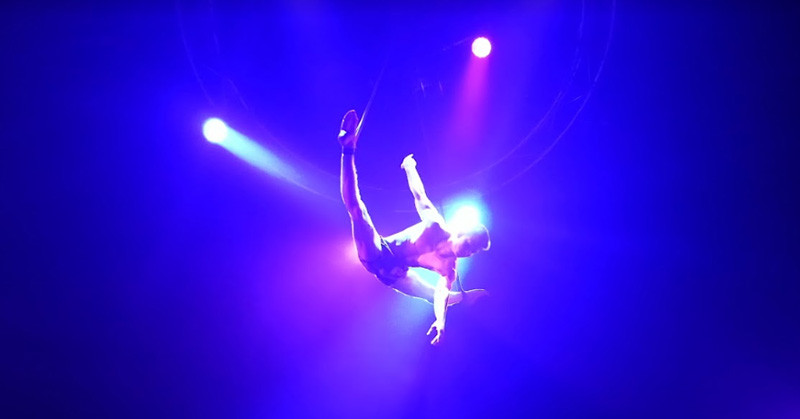 Aerial act in Life the Show