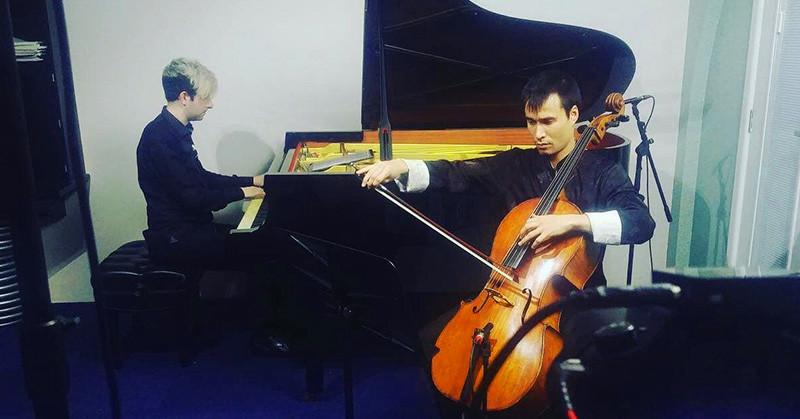 Pianist Alex Raineri and cellist Oliver Scott