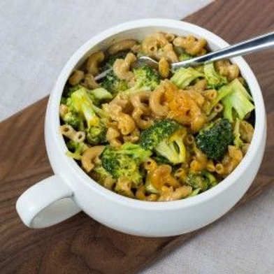 Skillet Broccoli Mac 'N' Cheese .