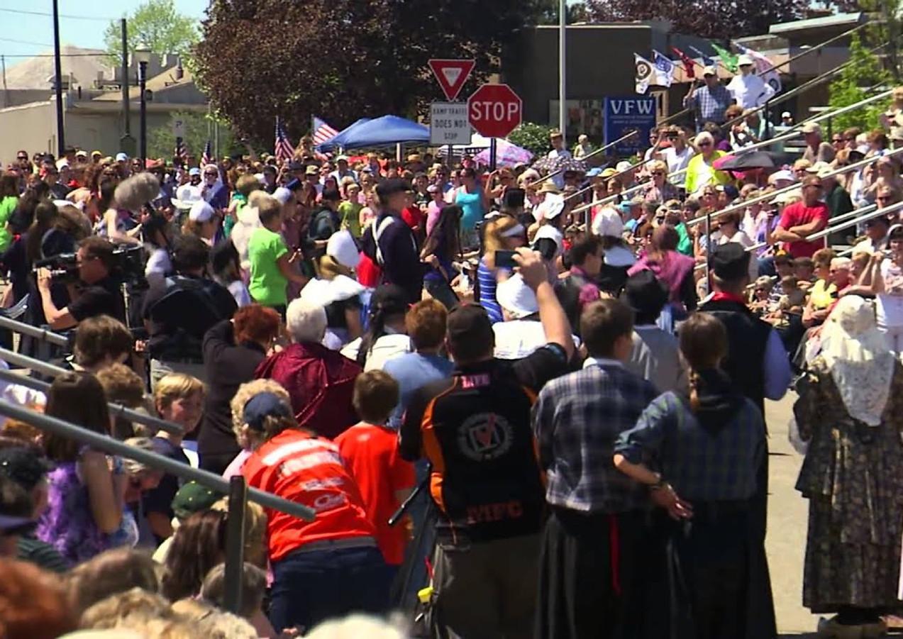 Tulip Time flash mob 2013