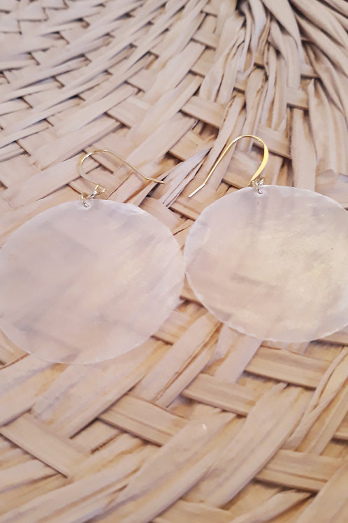 """""""Silhouette"""" shell earrings"""