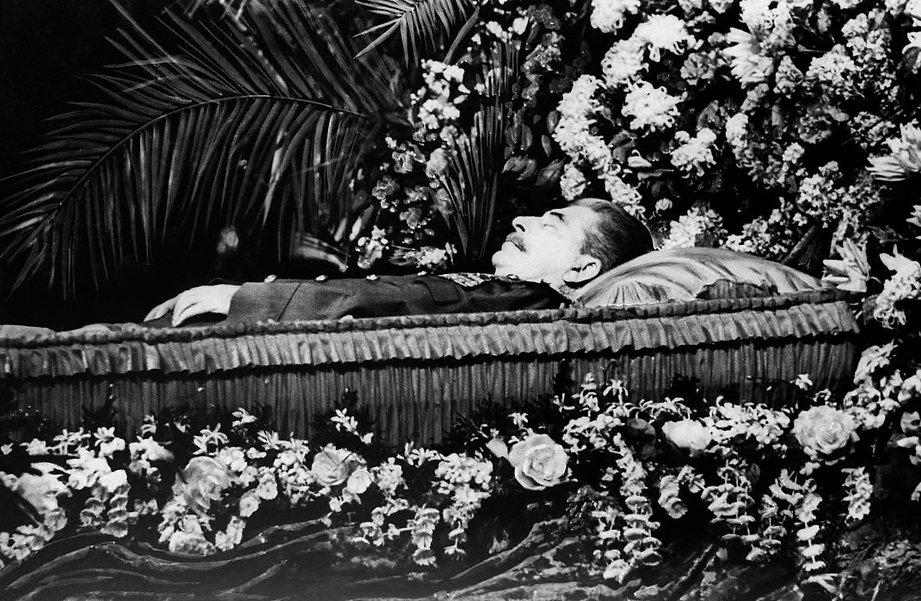 stalin funeral.jpg