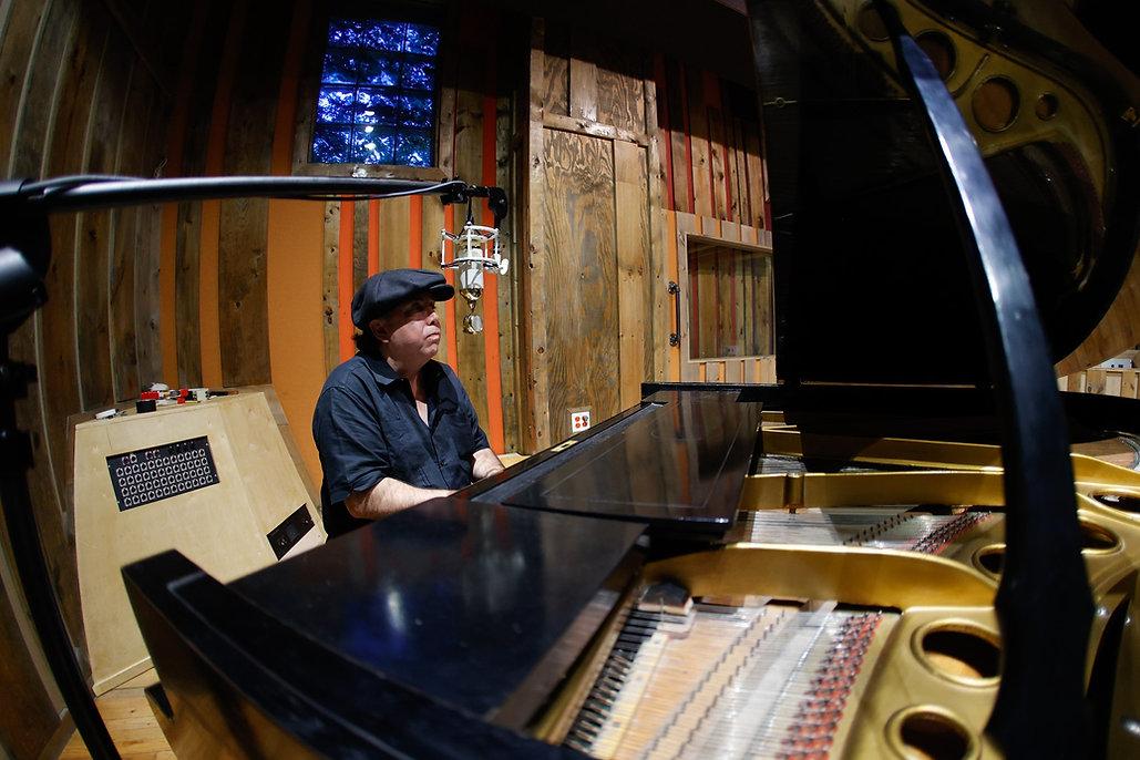 Brian Studio G piano shot.jpg