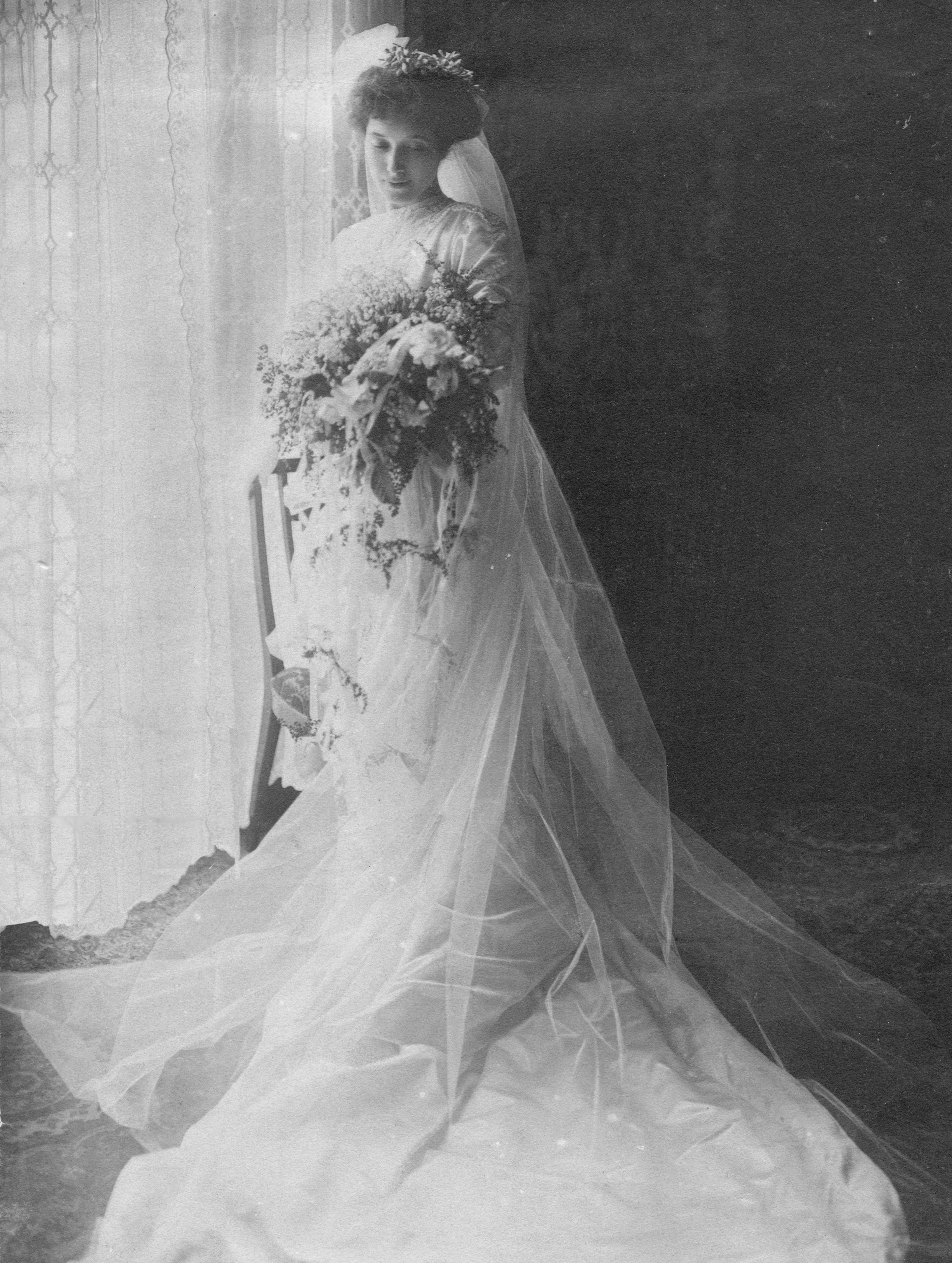 Alice Wedding Picture