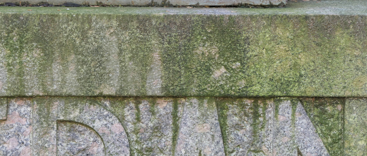 Monument aux morts3.JPG