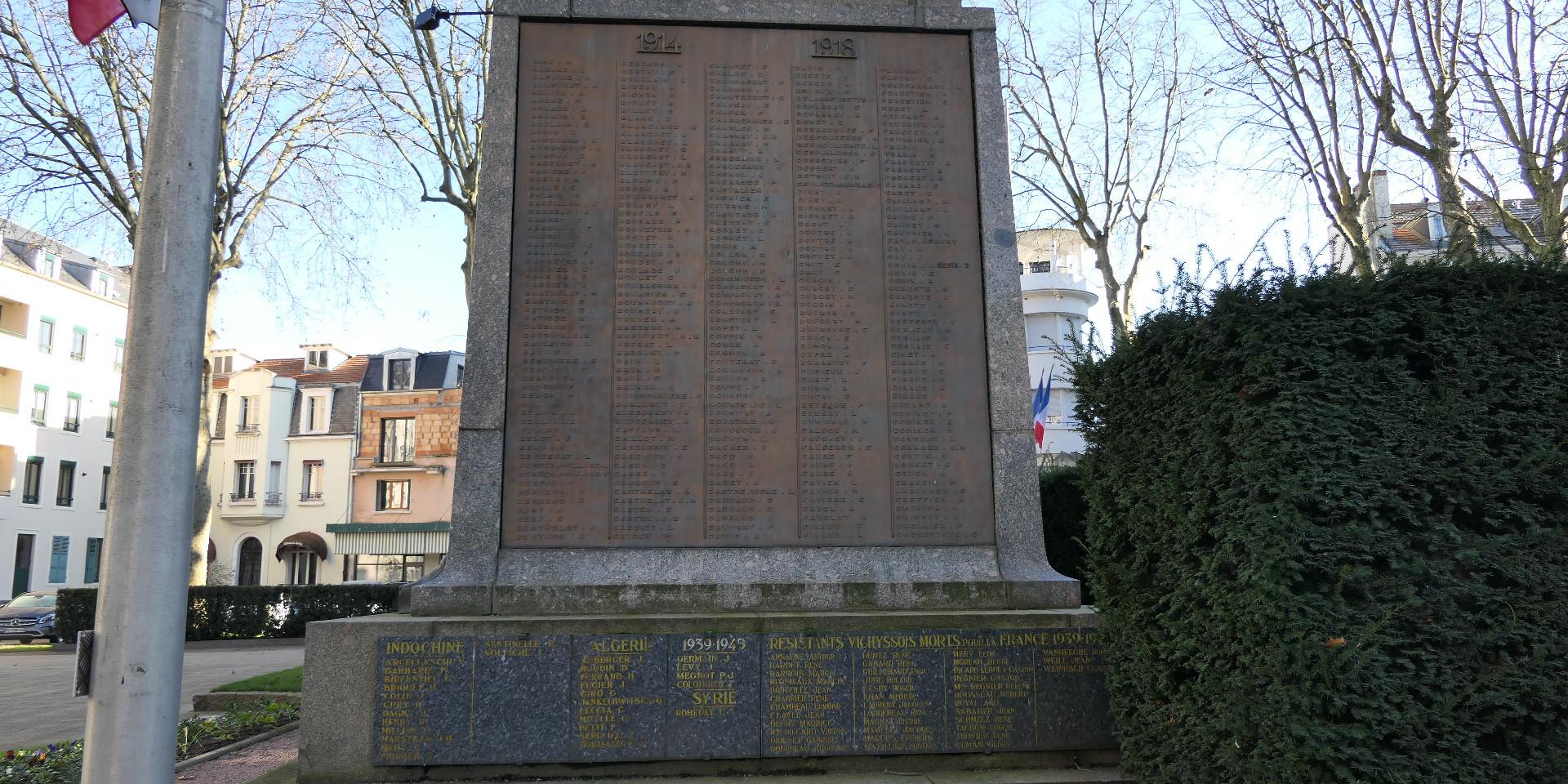 Monument aux morts4.JPG