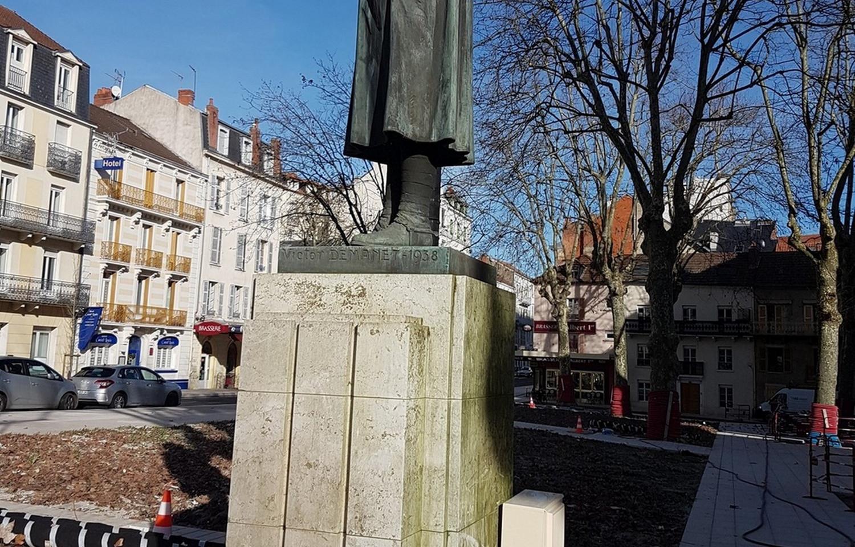 Statue2 (1).jpg