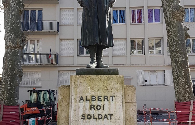 Statue2 (2).jpg