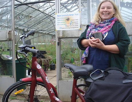 Cycling gardener 2.JPG
