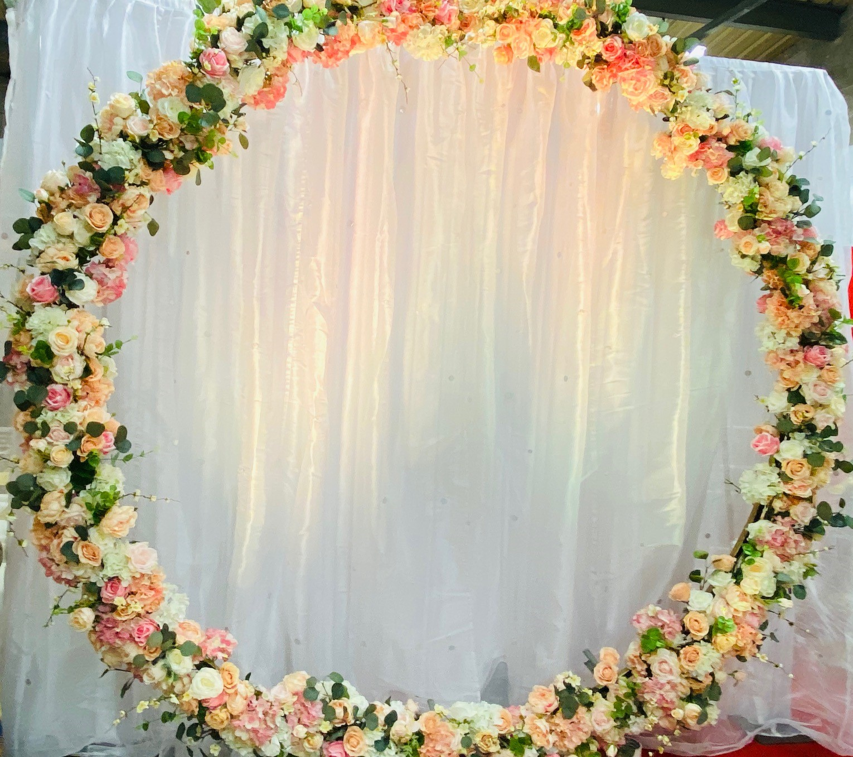 Floral arch moongate